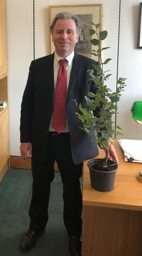 Sir Oliver Letwin Donates Tree to Damers