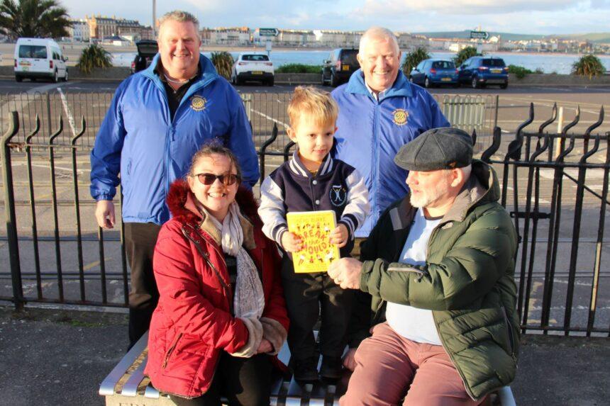 Rotary Club distribute inspirational book to local schools